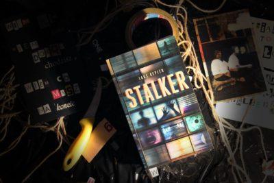 Stalkerzy w bibliotece