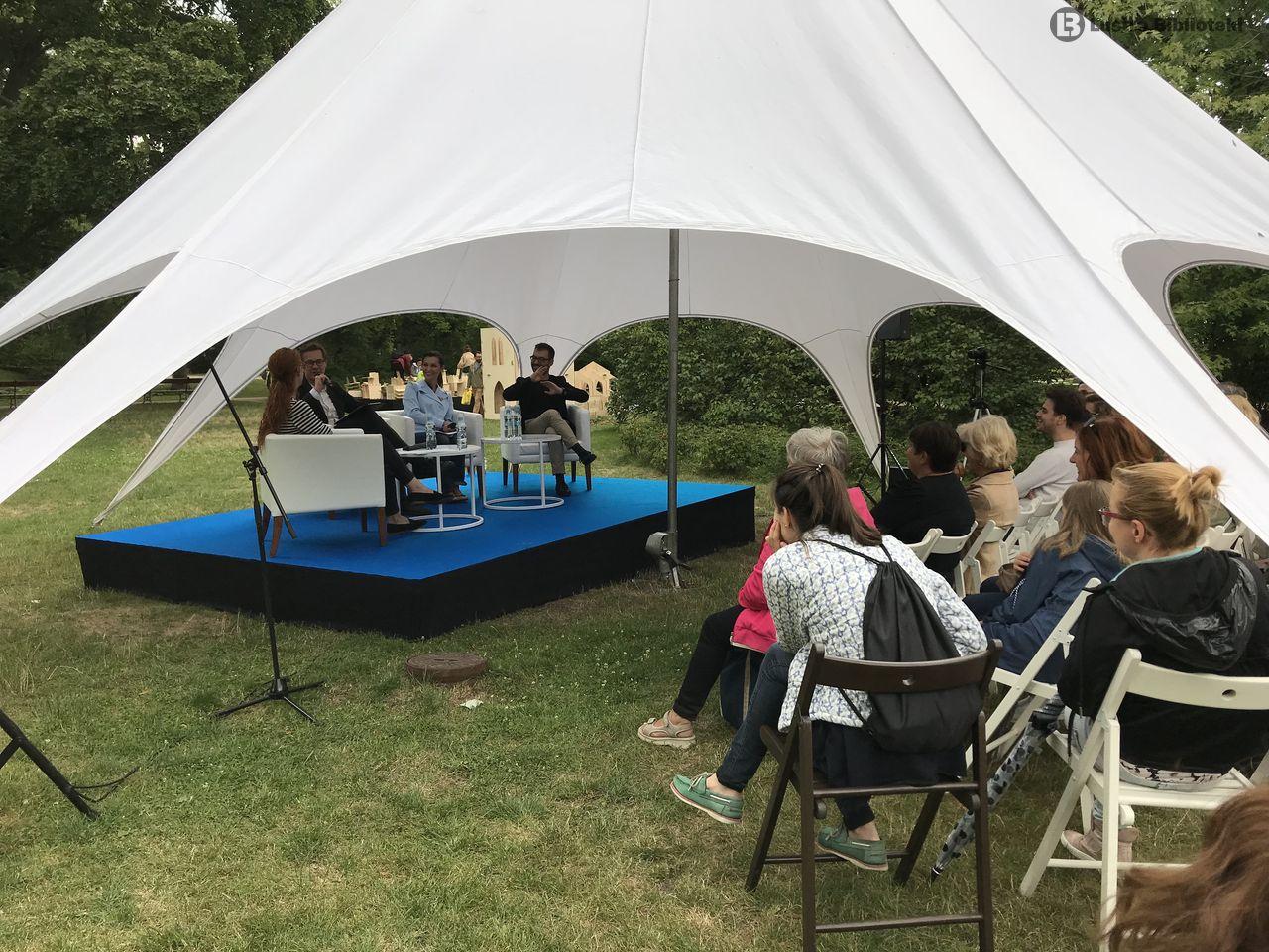 Kochanowski i Herbert, czyli kwitnąca literatura w ogrodzie