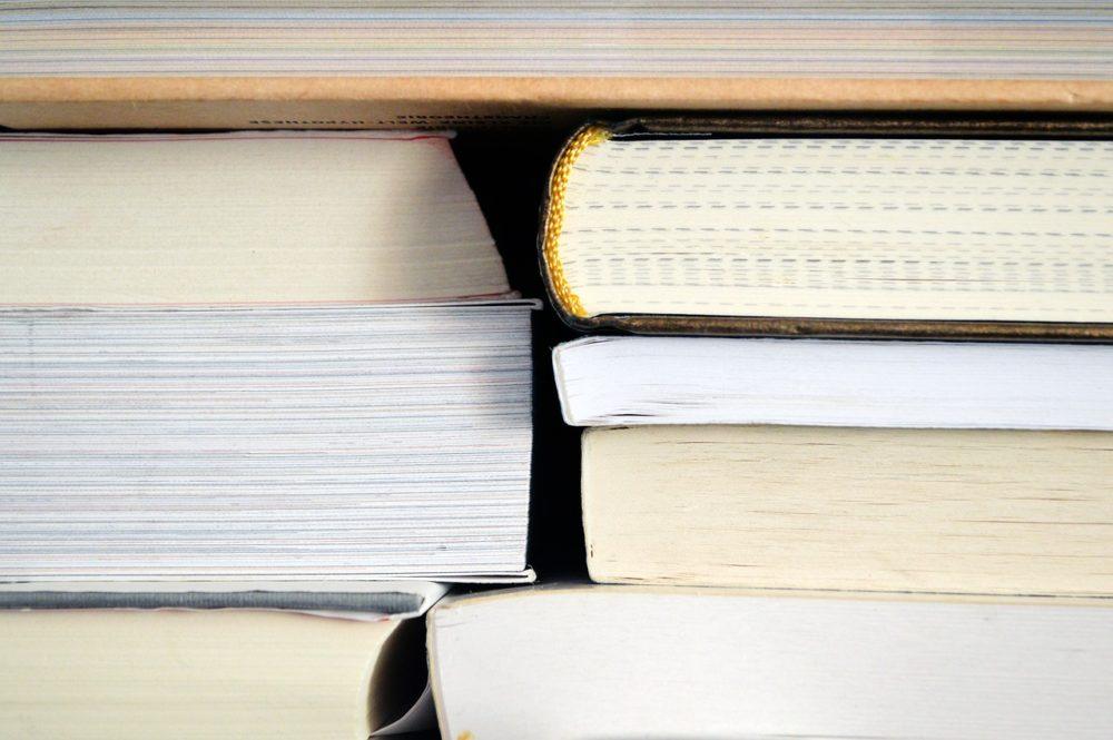 Dlaczego toruńskie biblioteki są czynne dopiero od godzin południowych?