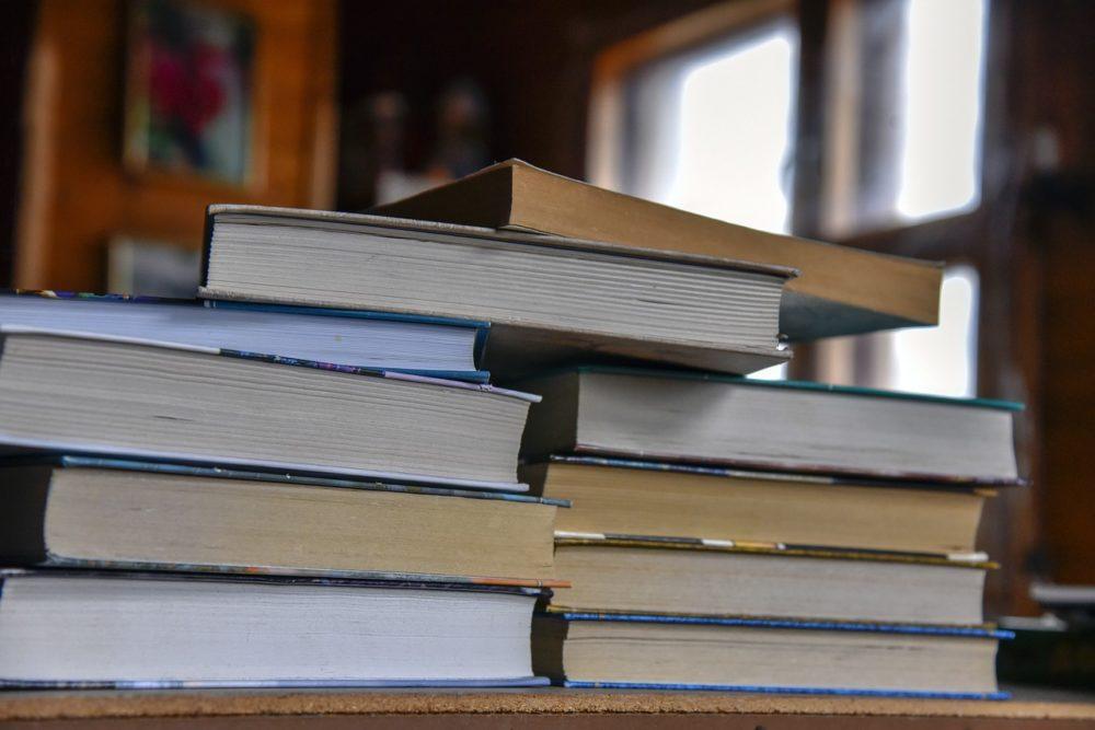 Rada miejska w Dobrodzieniu chce połączyć bibliotekę z domem kultury